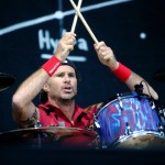 Chad Smith banging drum sticks