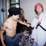 RHCP-backstage-chad