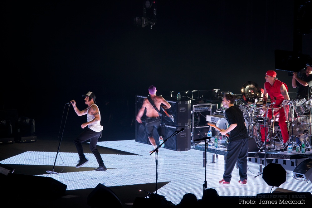 RHCP Im With You Stage