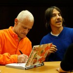 fandemonium-book-signing-november-2014-LA-The-Grove-RHCP-20