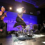 help-for-haiti-Red-hot-chili-peppers-7