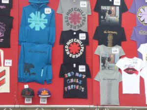 reading-2016-rhcp-merch-1