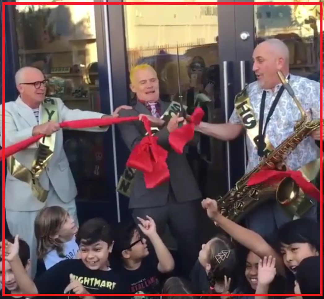 opening-silverlake-conservatory-of-music-flea-ribbon-cutting